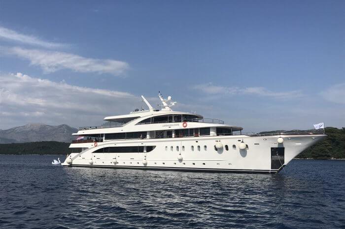 Split – Dubrovnik, M/S Ambassador